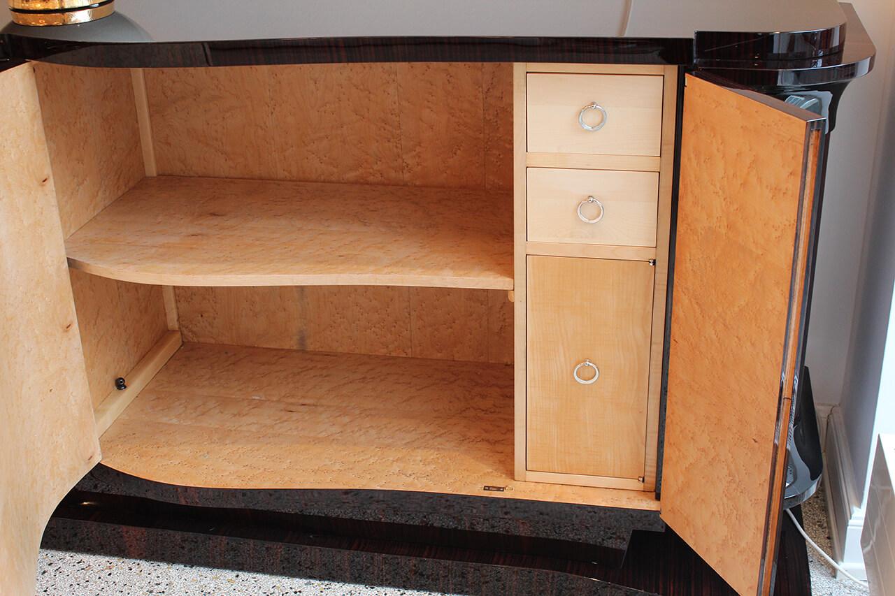 gro es sideboard in makassarfurnier art d co annette stern art d co m bel lampen. Black Bedroom Furniture Sets. Home Design Ideas
