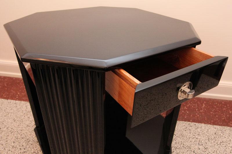 sehr sch ner couchtisch mit kannelierten beinen art d co annette stern art d co m bel. Black Bedroom Furniture Sets. Home Design Ideas